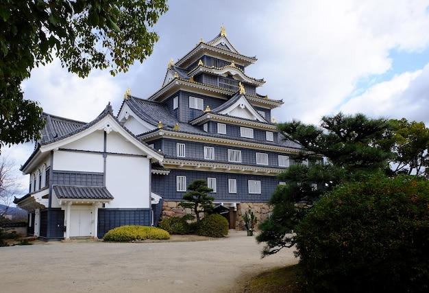 Château d'okayama ou okayamajo situé à okayama au japon
