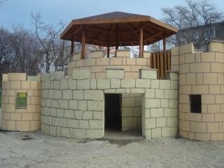 Château sur un terrain de jeux des enfants