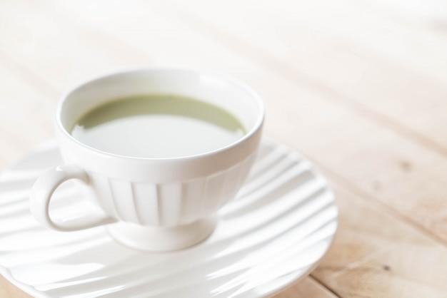 Chaud matcha latte