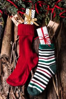 Chaussettes de noël prêtes pour les cadeaux