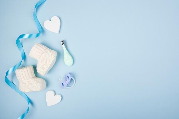 Chaussettes et sucettes bébé