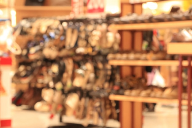 Chaussure floue dans un centre commercial