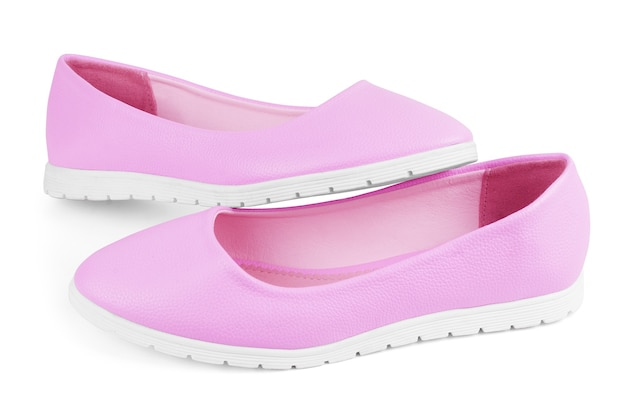 Chaussures de ballet en textile rose avec des arcs isolés sur blanc