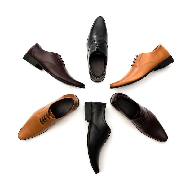 Chaussures de bureau de mode hommes isolés sur blanc. vue de dessus