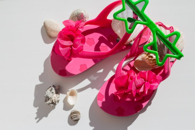 Chaussures en caoutchouc rose pour enfants