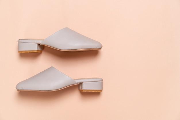 Chaussures en cuir de mode femme