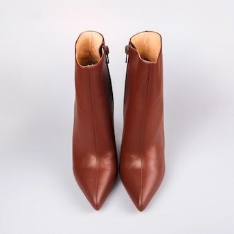 Chaussures élégantes pour femmes marron