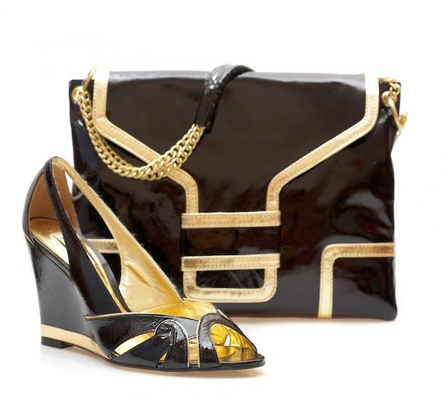 Chaussures femmes et sac à main isolé