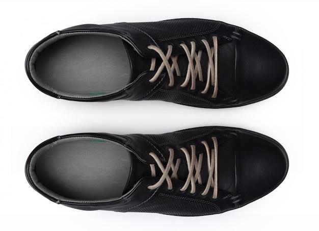 Chaussures isolées sur blanc. vue de dessus.