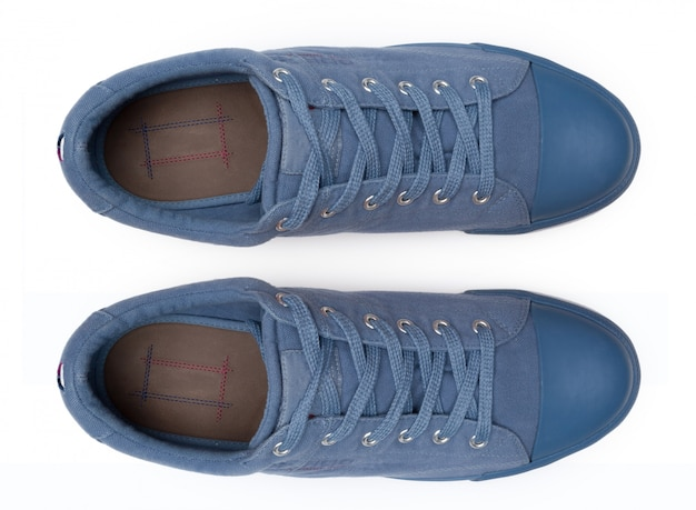 Chaussures isolées sur fond blanc vue de dessus.