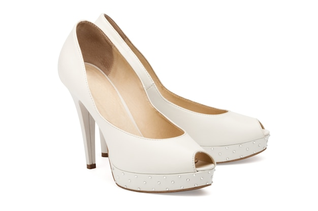 Chaussures de mariage femme ivoire isolated over white