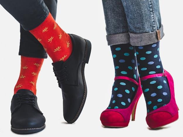Chaussures à la mode pour hommes et femmes, chaussettes brillantes