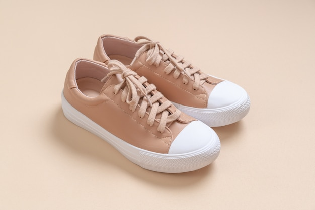 Chaussures de sport en cuir femmes