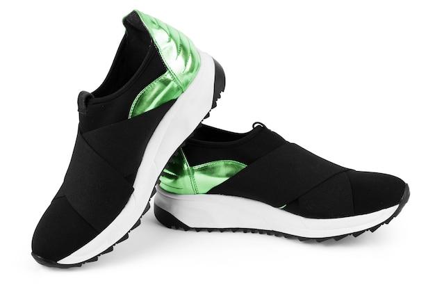 Chaussures de sport pour femmes isolés sur fond blanc