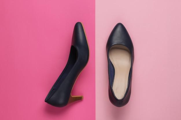 Chaussures à talons hauts pour femmes classiques sur papier de couleur
