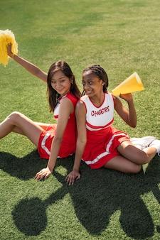 Cheerleaders plein coup sur le terrain