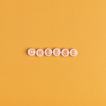 Cheese mot avec des perles