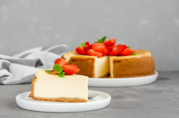 Cheesecake maison aux fraises fraîches