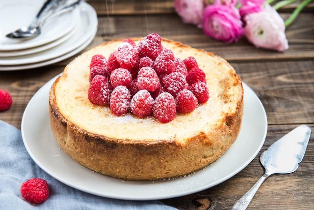 Cheesecake vanille maison aux framboises
