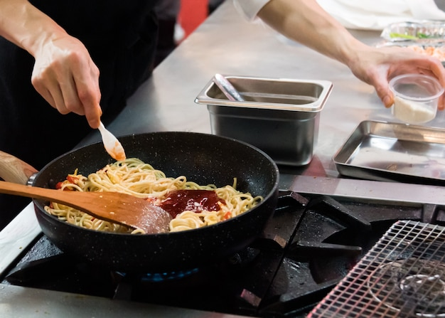 Chef cuisine, cuisine, cuisine, chef cuisine