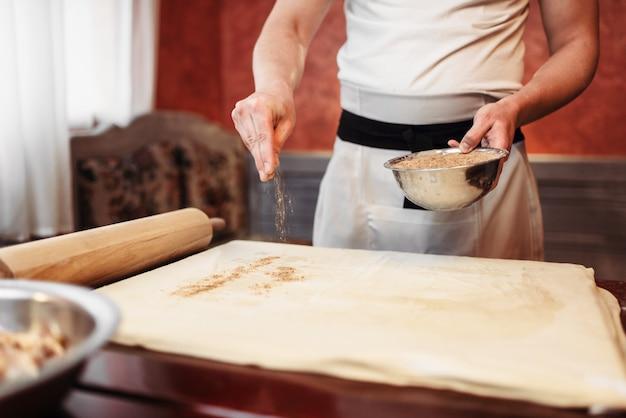 Chef cuisine strudel