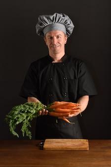 Chef hacher une carotte