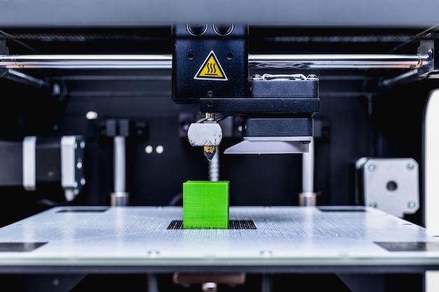 Chef d'imprimante 3d en action