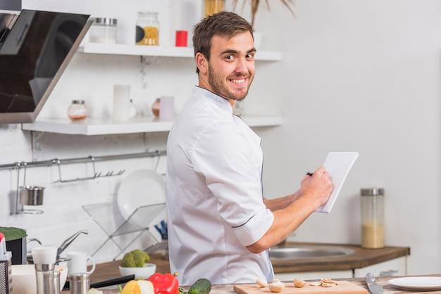 Chef en notes de cuisine