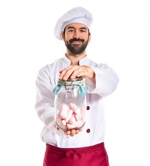Chef, tenue, jar, verre, sweetmeats, intérieur