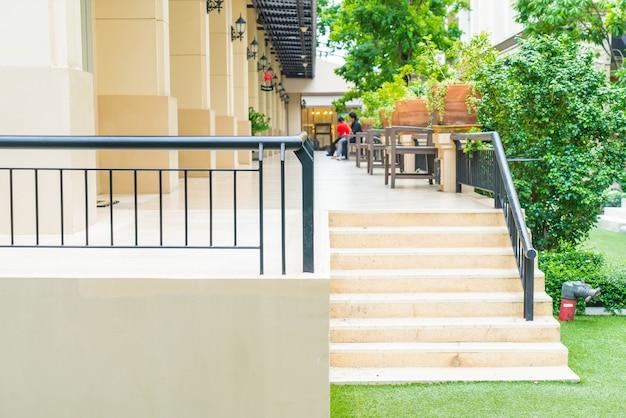 Chemin d'escalier extérieur