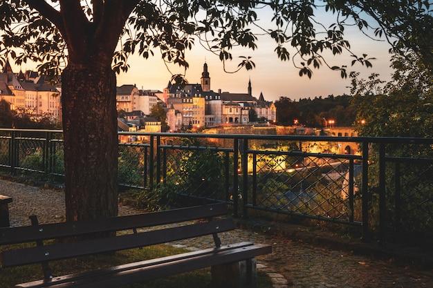 Chemine de la corniche à luxembourg-ville