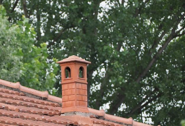 Cheminée de toit de maison