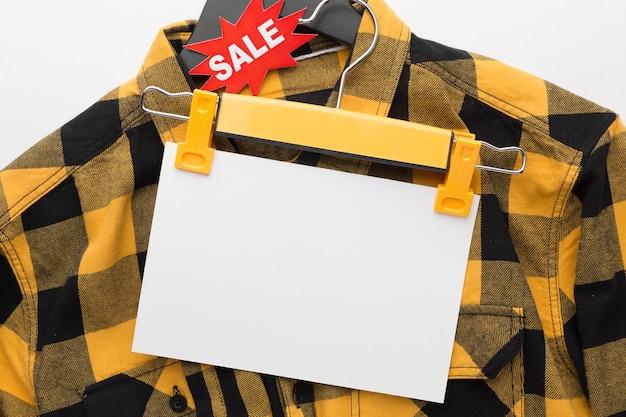 Chemise avec espace copie papier vide