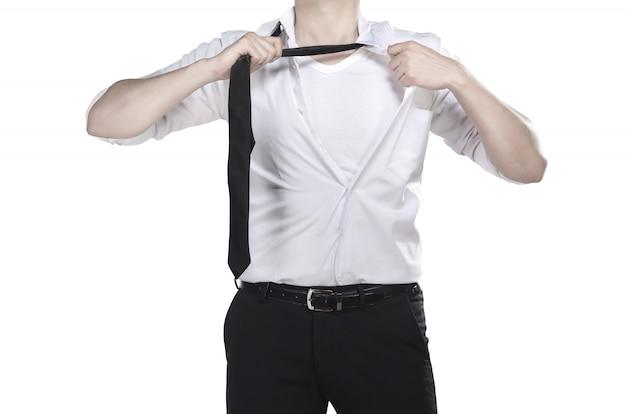 Chemise ouverte d'homme comme super-héros