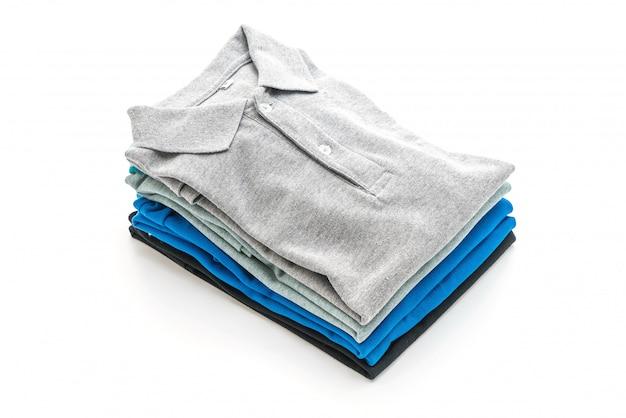 Chemise pliée sur blanc