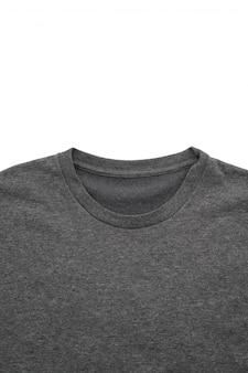Chemise. t-shirt plié sur blanc