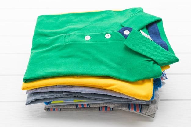 Chemise et vêtements