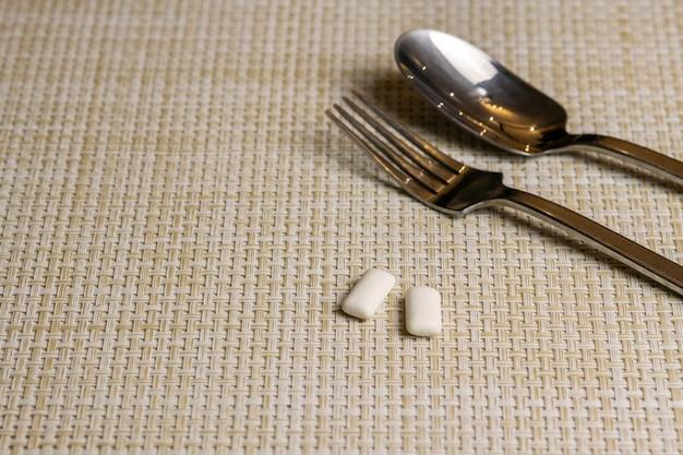 Chewing-gum après avoir mangé pour protéger les dents de la carie dentaire ou de la plaque