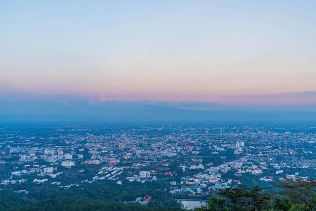 Chiang mai, toits de la ville en thaïlande