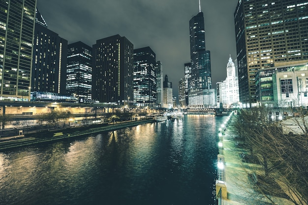Chicago river dans le centre-ville