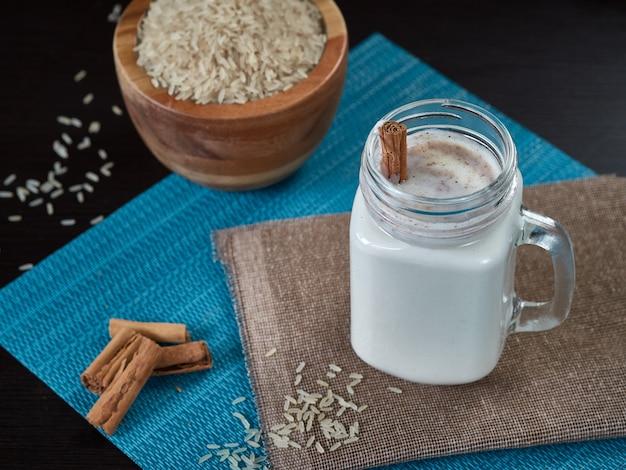 Chicha de arroz con cannelle boisson vénézuélienne typique également à base de maïs