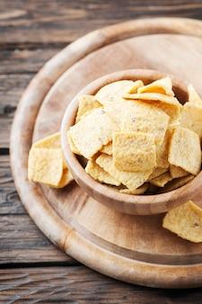 Chips mexicains traditionnels sur la table