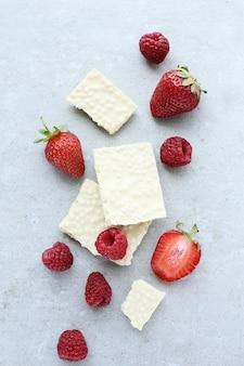 Chocolat blanc aux fraises
