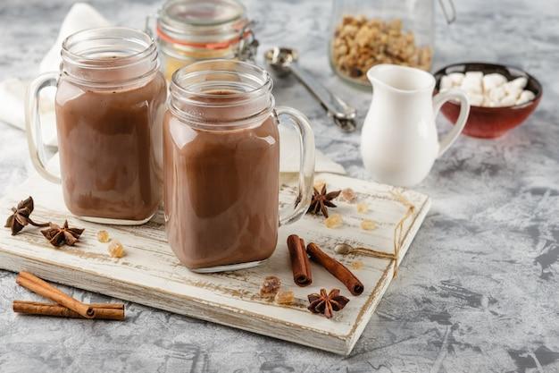 Chocolat chaud à la crème fouettée