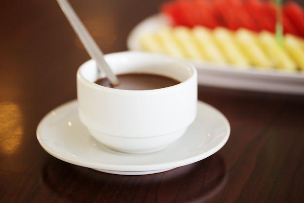 Chocolat chaud dans la tasse