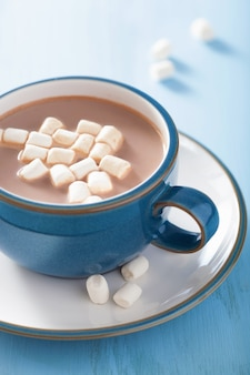 Chocolat chaud avec mini guimauves