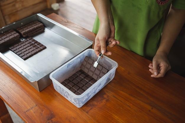 Chocolat noir et cacao maison