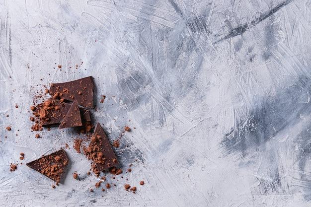 Chocolat noir à la poudre de cacao