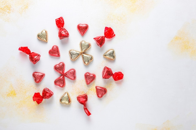 Chocolats en forme de coeur saint valentin, décors.