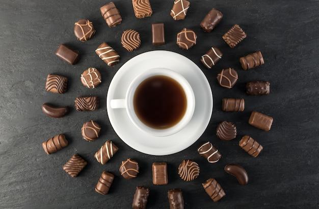 Chocolats et vue de dessus de café